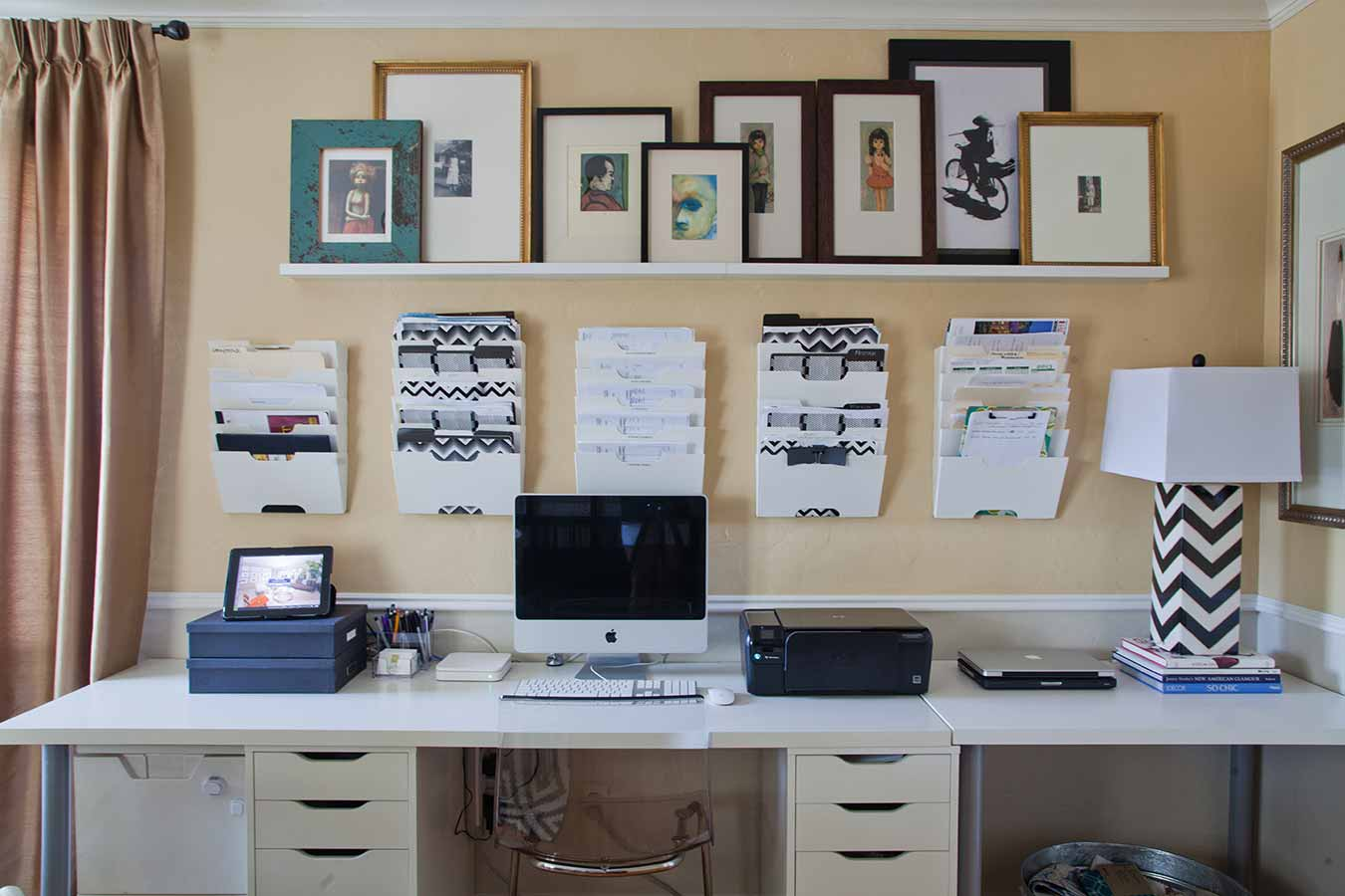 Charmant An Organized Interior Design Office Space